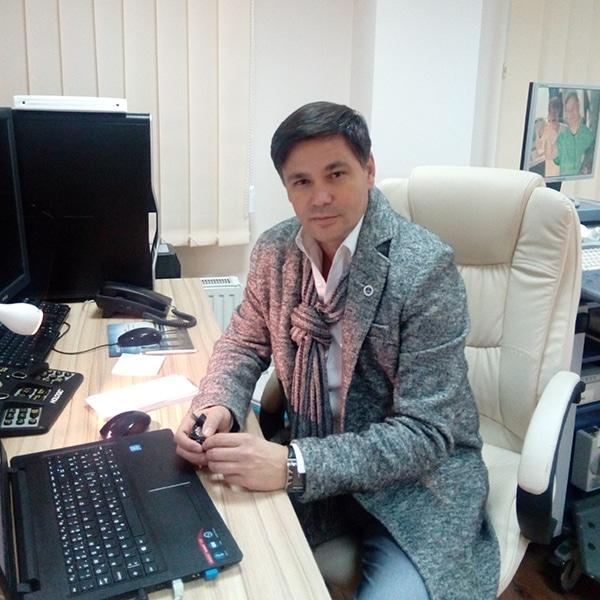 Doc. dr Dragan Nikolić