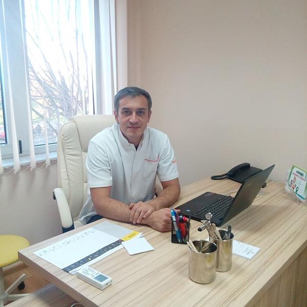 Dr Momčilo Mijović