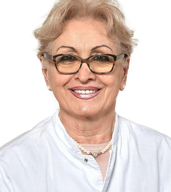 Dr Vera Mrkajić